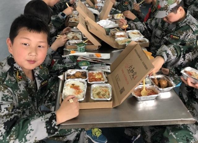 学生研学餐