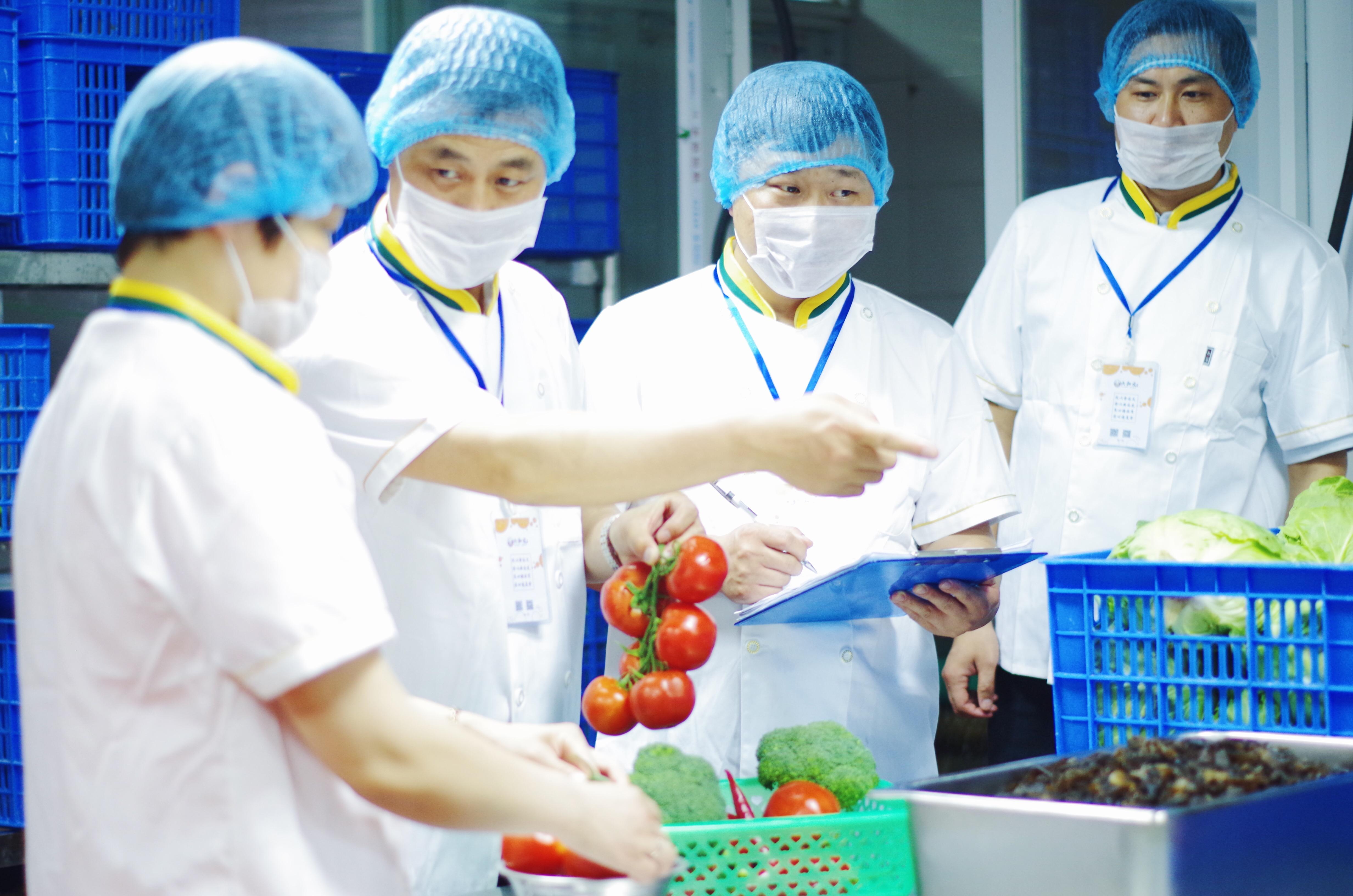 摩臣5营养师浅谈中学生营养需求